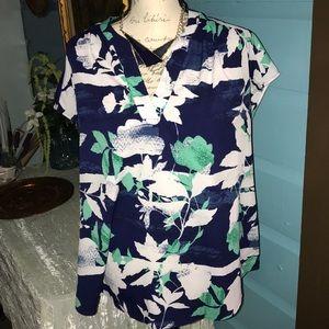 Liz Claiborne blue floral design blouse